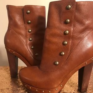 Ugg Brown platform leather boots size 9